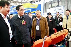 中央政治局委員上海市委書記俞正聲參觀我公司產品